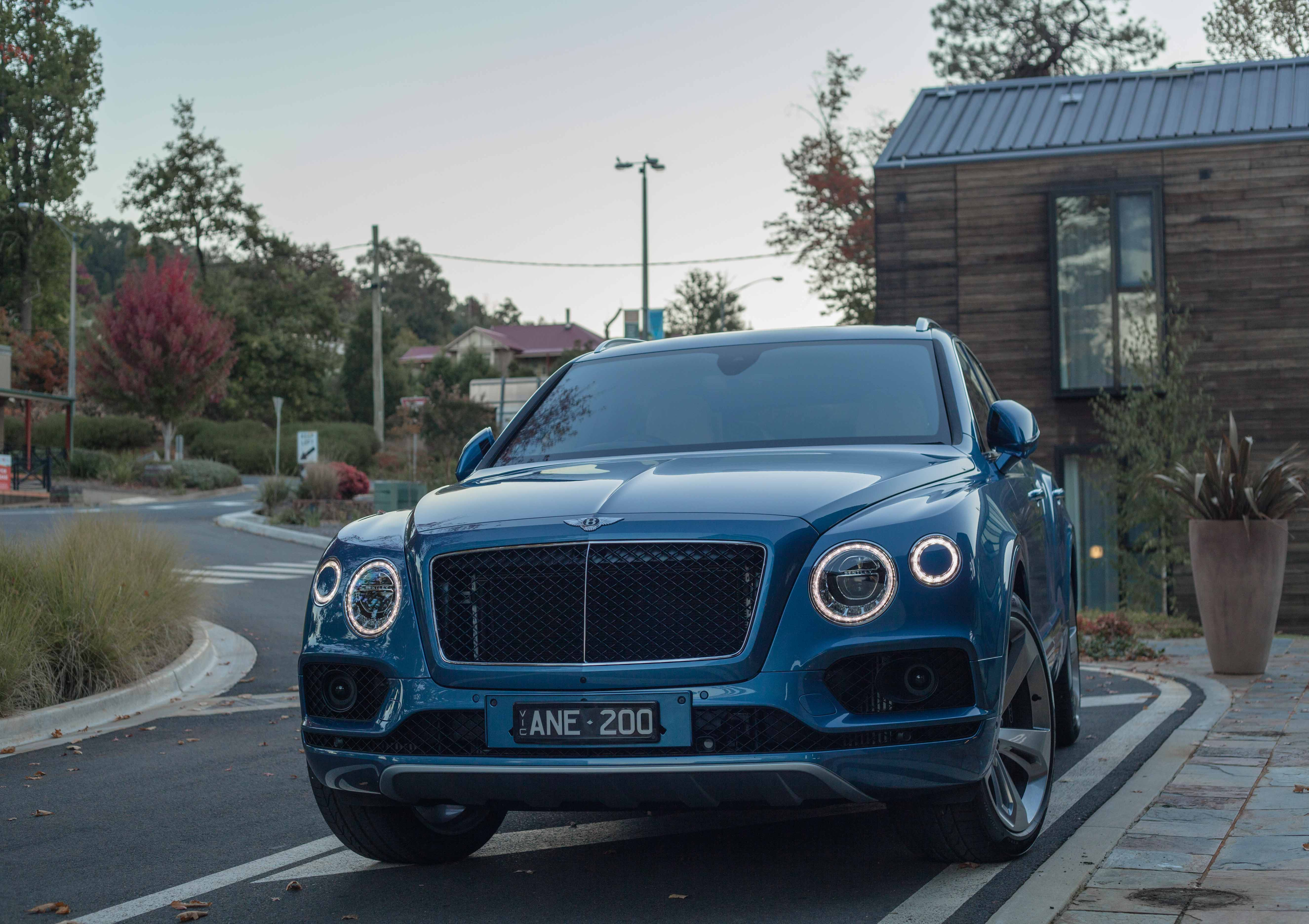 The World S Fastest Diesel Suv 2018 Bentley Bentayga Diesel Review Andrea In Arcadia